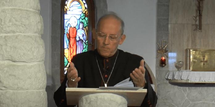Obispo Taussig decreto seminario
