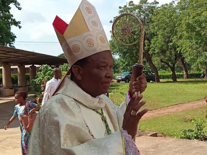 Togo espía obispos sacerdotes