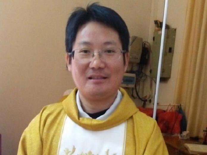 Partido comunista China sacerdote