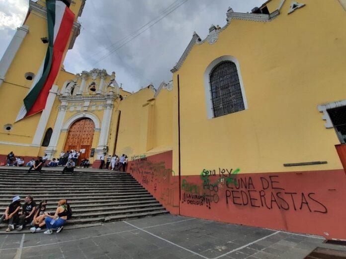 Turba catedral en México