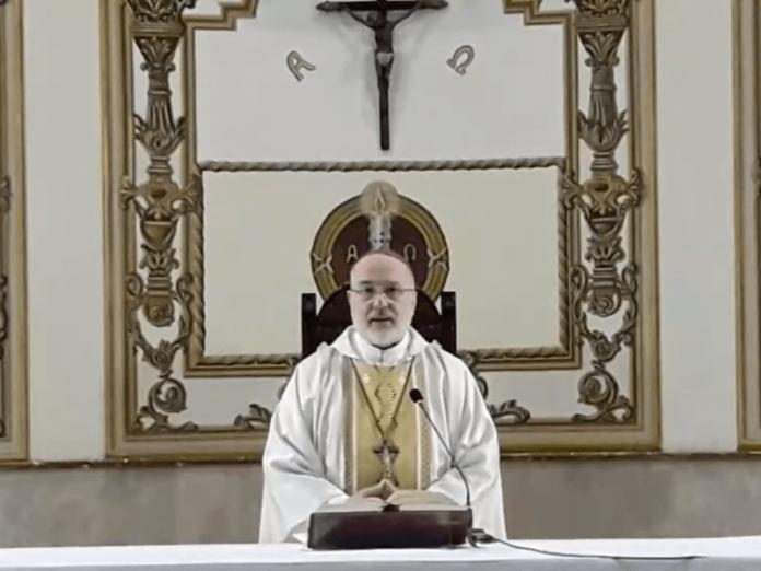 Arzobispo Azpiroz Virgen aparece