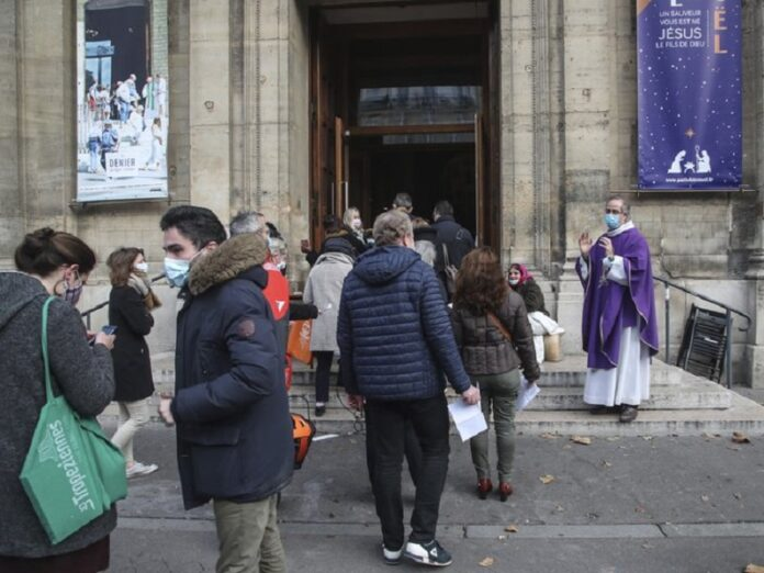 Obispos de Francia lamentan medida inaplicable