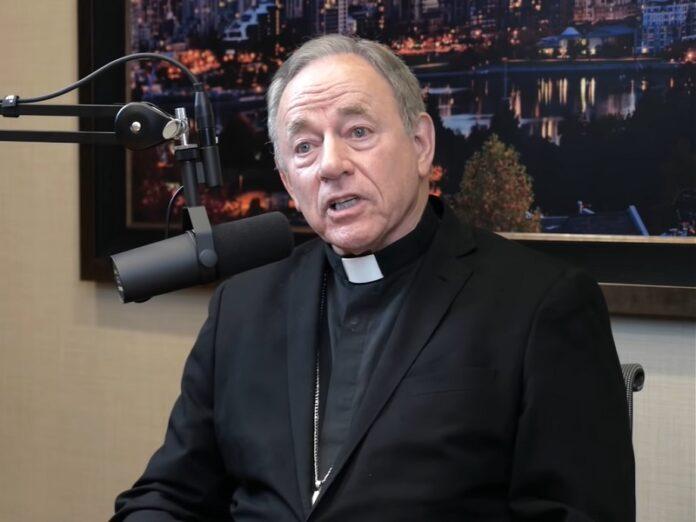 Arzobispo de Canadá No culto restaurantes y gimnasios abiertos