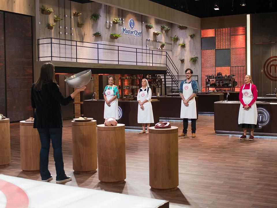 Religiosa dedica su victoria en Master Chef Brasil a los misioneros