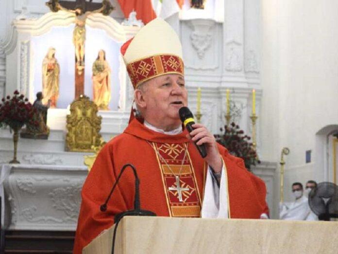 Arzobispo de Brasil Policía interrumpan Misa