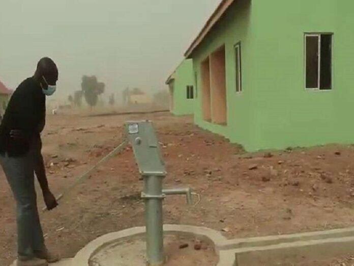 Iglesia en Nigeria construye viviendas para víctimas de Boko Haram