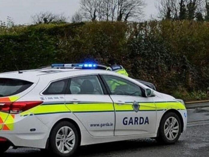 Policía de Irlanda impide a los fieles