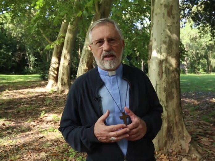 Obispo Croxatto adoración a Jesús Sacramentado