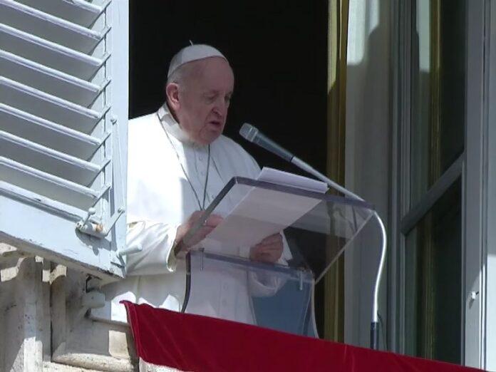 Francisco leer cada día un fragmento del Evangelio