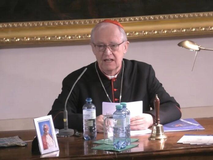 Cardenal Cordes: «Ofrecer la bendición