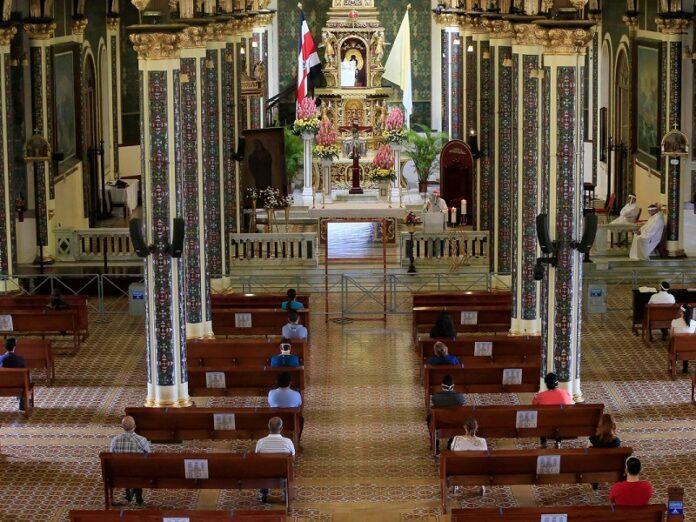 Jornada Especial de Oración en Costa Rica