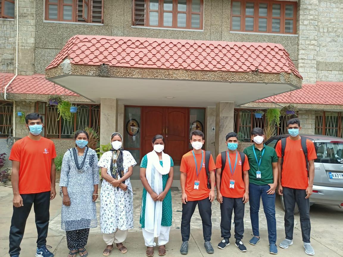 Jóvenes católicos, voluntarios para cuidar