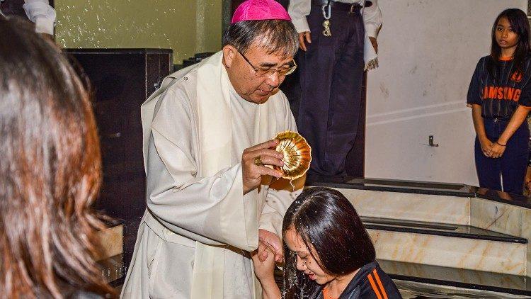 Fallece el cardenal Cornelius Sim
