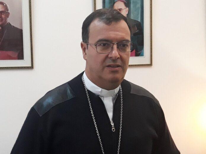 Obispo Mestre con urgencia