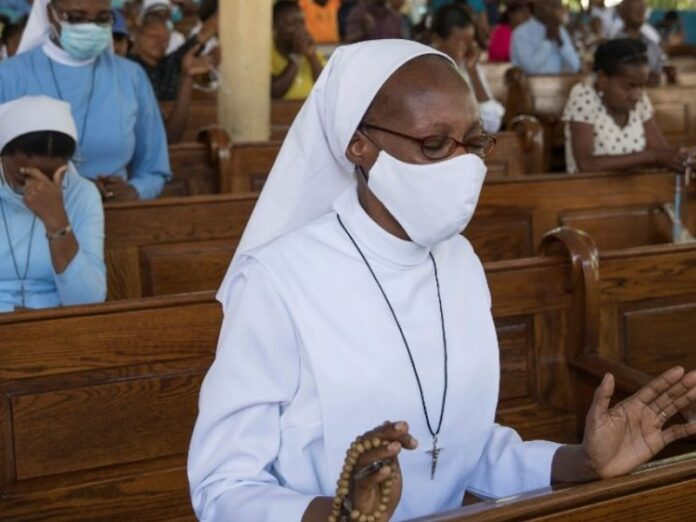 Liberan a católicos secuestrados en Haití