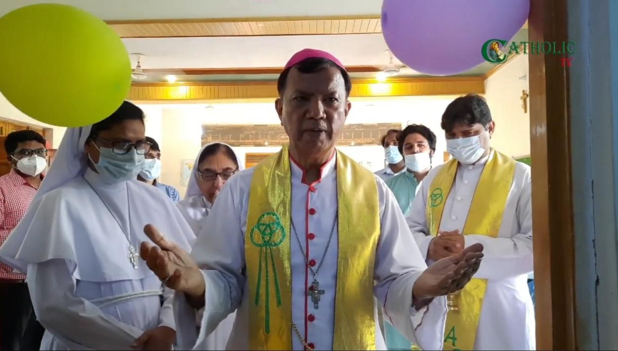Iglesia en Pakistán inaugura taller