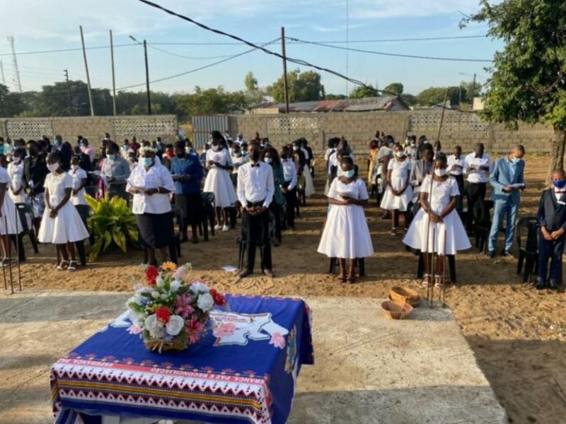 Iglesia en Mozambique celebra cientos