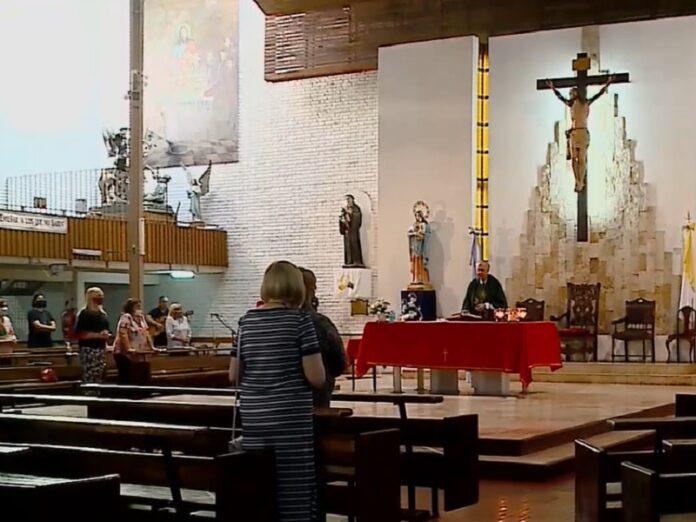 Habilitan celebraciones religiosas en lugares