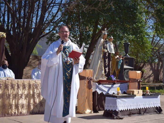 Obispo Corral: «María nos enseña