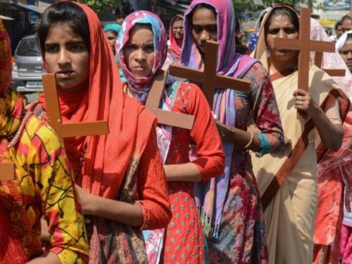 Arrestan a 30 cristianos por su fe