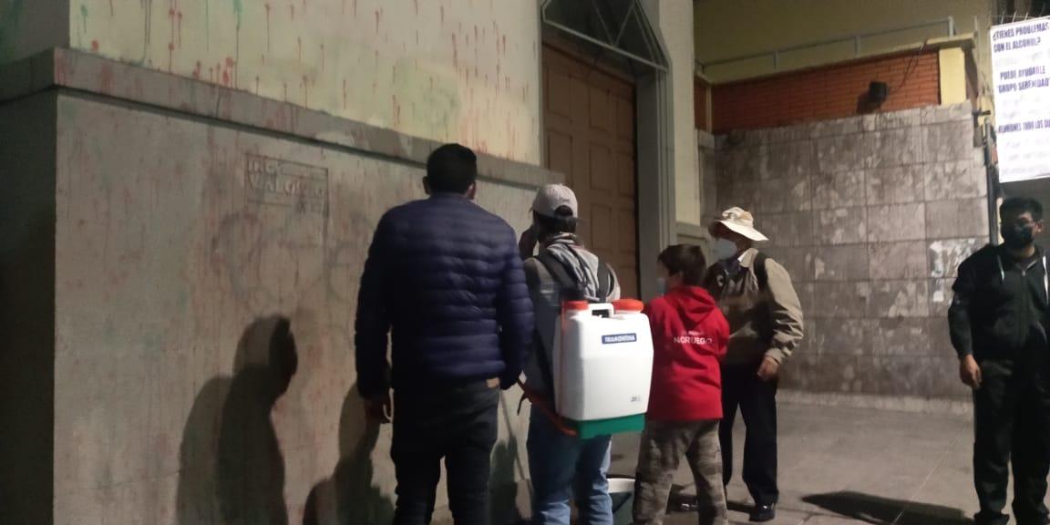 Cristianos protegen basílica de Bolivia