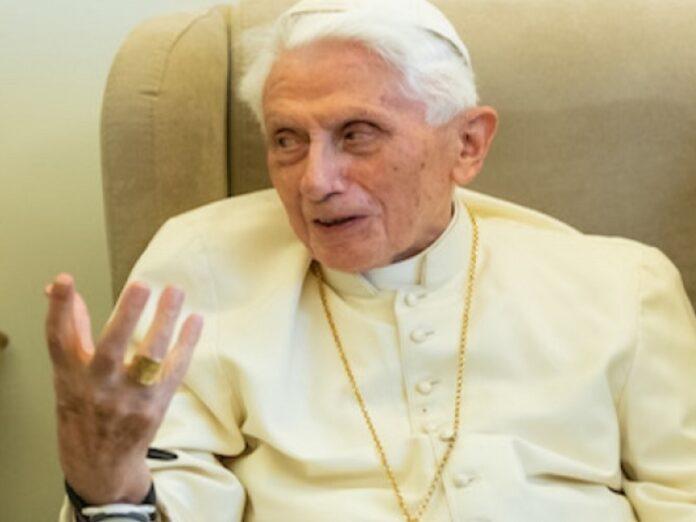 Benedicto XVI: «El hombre posee