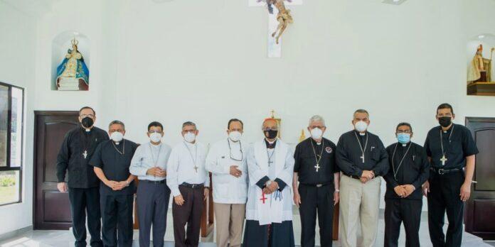 Obispos de Nicaragua piden orar