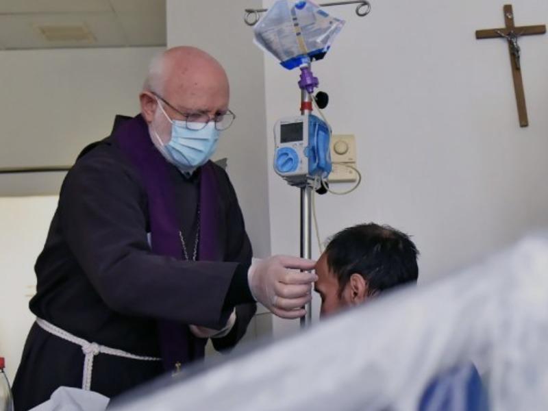 Cardenal Aós: «La enfermedad es tiempo