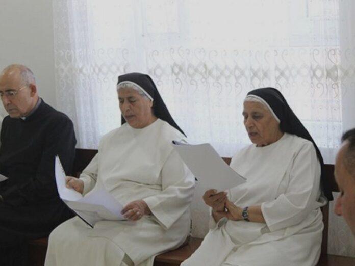 Religiosas dominicas construyen un colegio