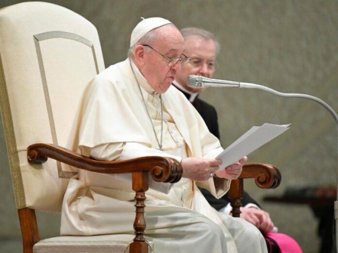 Francisco reflexiona que la Natividad de la Virgen