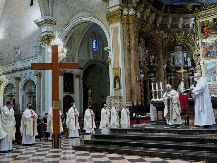 Cardenal Cañizares exhorta a los jóvenes