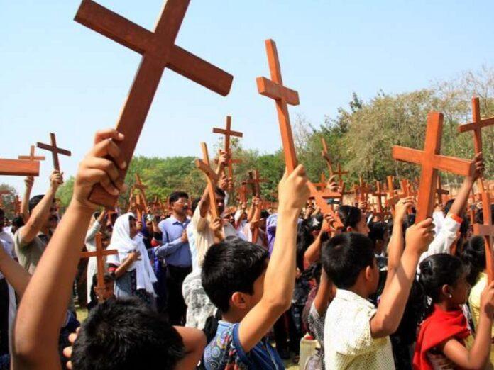 Hinduistas perpetran13 ataques