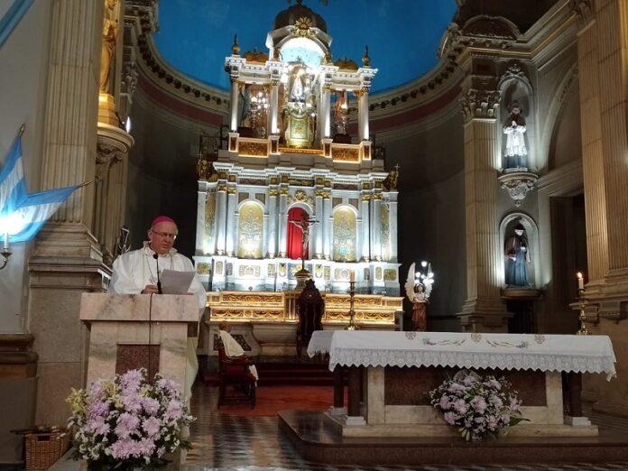 Obispo Urbanc exhorta a refundar